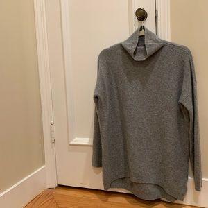 Gray 76% cashmere sweater